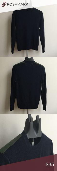 Banana Republic Wool Ribbed Crewneck Sweater 60% extra-fine Merino Wool 40% acrylic;  color - true navy/dark green;  lightly worn (once) Banana Republic Sweaters Crewneck