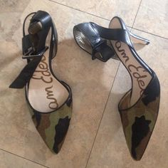 Sam Edelman camo fur kitten heels EUC camo fur kitten heels Sam Edelman Shoes Heels