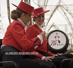 Ya queda menos para la Feria de Jerez!!! http://www.facebook.com/media/set/?set=a.351683644866849.73042.130765090292040=1