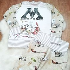 """Mummy's Little Munchkins az Instagramon: """"Absolutely love this ministry of magic pyjama set. As always the majority of my pieces are one of a kind makes. If you want a piece made…"""""""
