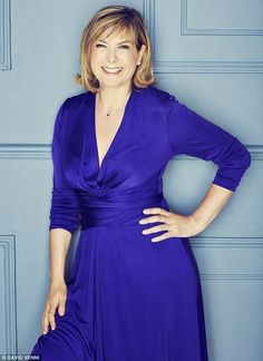 Penny Smith Penny Smith, Female News Anchors, Tv Presenters, Hot Girls, Wrap Dress, Glamour, Actresses, Actors, Chic