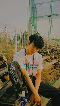 Feliz Gif, Nct Album, Fandom Kpop, Nct Group, Nct Yuta, Nct Doyoung, Kpop Couples, Cute Korean Boys, Nct Life