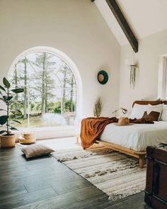 Bright boho bedroom with arched window overlooking the trees # Wohnen ideen Boho Bedroom arched bedroom Boho Bright Ideen overlooking trees window wohnen Boho Chic Bedroom, Home Decor Bedroom, Modern Bedroom, Diy Bedroom, Bedroom Wall, Natural Bedroom, Minimal Bedroom, Bohemian Bedrooms, Bedroom Furniture