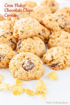 If you love corn flakes and chocolate chips cookies, then you are guaranteed to love this easy to bake corn flakes chocolate chips cookies. These cookies are easy even for beginners, so make this for some bonding time with your kiddies. Kitchen Aid Recipes, Baking Recipes, Snack Recipes, Dessert Recipes, Desserts, Corn Recipes, Flake Chocolate, Chocolate Chip Cookies, Chocolate Chips