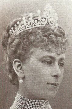 Queen Mary's Diamond and Pearl Ladies of England Tiara - 1893 - by Hunt & Roskell - wedding gift from 650 ladies of England - dismantled in 1913 to make Cambridge Lover's Knot Tiara with leftover diamonds used in the Glouster Honeysuckle Tiara
