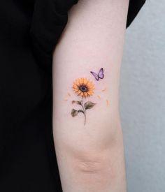 Elegant Tattoos, Feminine Tattoos, Pretty Tattoos, Beautiful Tattoos, Watercolor Sunflower Tattoo, Sunflower Tattoo Small, Sunflower Tattoos, Bone Tattoos, Body Art Tattoos