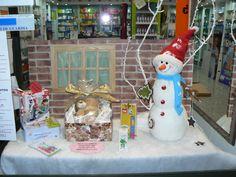 escaparate de navidad, farmacia Laviada Gijón
