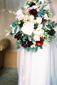 Wedding Bouquets :     Picture    Description  Lovely fall hues: www.stylemepretty… | Photography: Taylor Barnes – www.taylorbarnesp…    - #Bouquets https://weddinglande.com/accessories/bouquets/wedding-bouquets-lovely-fall-hues-www-stylemepretty-photography-taylor-barnes-www-taylor/
