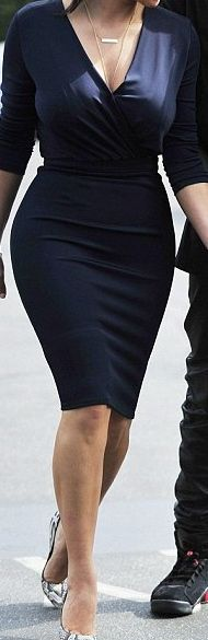Basic Blue Dress with curves...a perfect match.