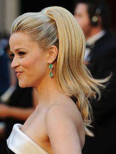 clip in ponytail... so easy! ReeseHair.jpg (300×400)
