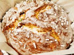 Panettone, reteta italiana-rapida Romanian Food, Bagel, Food And Drink, Ice Cream, Sweets, Bread, Breakfast, Olympus, Desserts