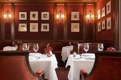 The Bar Vendôme evokes an old-school Parisian brasserie.