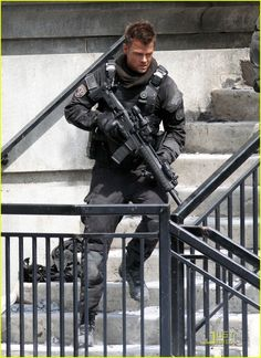 Josh Duhamel & Tyrese Gibson: Armed & Dangerous: Photo Josh Duhamel and Tyrese Gibson are ready for a battle on the set of Transformers 3 on Sunday (July in Chicago, Ill. Josh, and Tyrese, suited up in… Josh Duhamel Transformers, Transformers 5, Nalini Singh, Skylar Astin, Eric Dane, James Maslow, Hottest Male Celebrities, Celebs, Baby George