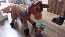Amigurumi - Pferd mit Möhren