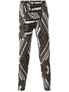 TOM & HAWK - Sam Stag trouser --- cray print design and I love it.
