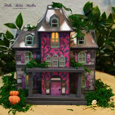 #svgcuts #americancrafts #dcwvmaker #dcwvinc #distressink #silhouettecameo #halloween #hauntedhouse #papercrafts Putz Houses, American Crafts, Svg Cuts, Projects To Try, Paper Crafts, Cottage, Bird, Mansions, Halloween