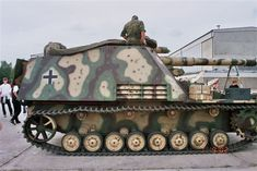 A restored Hummel-If I win the lottery I will tour the tank museums of the world with a good camera. Self Propelled Artillery, Tiger Tank, Tank Destroyer, Model Tanks, Armored Fighting Vehicle, Ww2 Tanks, Military Weapons, Military Equipment, German Army
