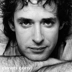 Argentine rock star Gustavo Cerati died on Thursday, four years after a stroke put him in a coma. The old was the former lead singer of the Argentine rock band Soda Stereo. Soda Stereo broke up in 1997 after 15 years, but Cerati continued a succes Soda Stereo, Music Lyrics, My Music, Latin Music, Fuerza Natural, Rock Argentino, Music Rock, Music People, My Favorite Music