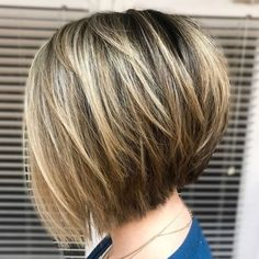 60 Layered Bob Styles: Modern Haircuts with Layers for Any Occasion - Inverted Shattered Bob for Straight Hair - Modern Bob Hairstyles, Stacked Bob Hairstyles, Bob Hairstyles For Fine Hair, Short Bob Haircuts, Layered Haircuts, Hairstyles Haircuts, Medium Hairstyles, Wedding Hairstyles, Braided Hairstyles