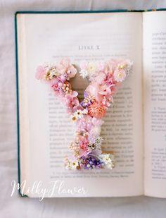 ウェディング イニシャルオブジェ* | ウェディング&フラワーリースのMilkyFlower* Hipster Wedding, Wedding Welcome, Dried Flowers, Wedding Accessories, Floral Arrangements, Bridal Dresses, Wedding Ceremony, Initials, Wedding Photos