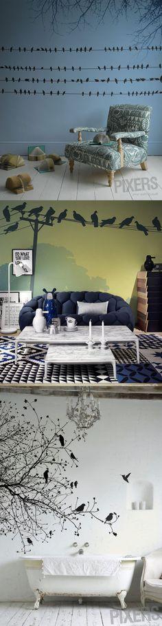 """Słynny film """"Ptaki"""" Alfreda Hitchcock'a zainspirował firmę Pixer do stworzenia kolekcji tapet nawiązujących do tego obrazu. Intrygujące i hipnotyczne, tak można z pewnością określić pierwsze wrażenie, jakie robią niezwykłe wnętrza """"ubrane"""" w tapety z tej kolekcji http://www.eksmagazyn.pl/design/wnetrza/horror-na-scianie/"""