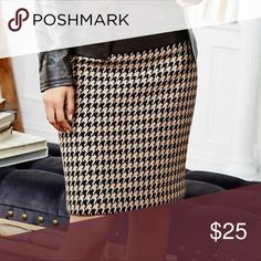 Vintage J.G. Hook Houndstooth Skirt Vintage late 80's 100% Acetate houndstooth skirt perfect for the office with style 😉 Small slit in back with a zipper in back for closure. Charming black and white houndstooth on this pencil skirt. Excellent used condition, no flaws. Size 6P J.G Hook Skirts Midi