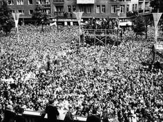 Pres Kennedy Tells Crowd at West Berlin City Hall, 'Ich Bin Ein Berliner,' Jun 26, 1963 People Photo - 41 x 30 cm