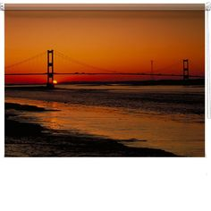 Golden Gate bridge printed blind from £105<br /><br /><p>Made-to-measure printed designer roller blind, printed and made to your specifications for a truly spectacular effect for your window.</p><br /><p><em><strong>PLEASE ENTER YOUR MEASUREMENT IN 'MM' IN THE BOX TO THE RIGHT TO GET AN INSTANT QUOTE.</strong> </em></p> [£0.00]