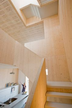 Good wood - less is definitely more in this Scandinavian styled house in Amsterdam. The 'Houten Herenhuis' or 'Wooden House' in English by local studio MAATworks. Scandinavian Architecture, Stairs Architecture, Scandinavian Style, Architecture Design, Timber Stair, Timber House, Wooden House, Wood Facade, Wood Railing