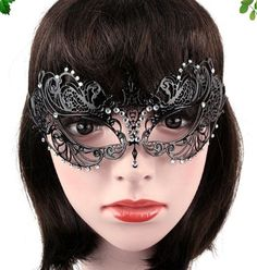 1Pcs Female Halloween Cosplay Masquerade Party Masks Party Queen Upper Half Face Black Metal Mask with Rhinestone Xmas Gift