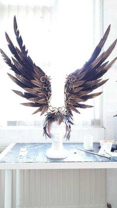 Headdress on the Phoenix Dress by Jolien-Rosanne (Fairytas, NL) - Album on… Maquillage Halloween, Fascinators, Headpieces, Boho Gypsy, Burning Man, Headgear, Larp, Costume Design, Masquerade