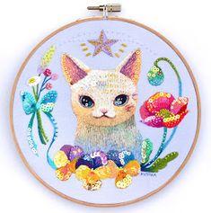 夢に出てきたあの子を探して、 Counted Cross Stitch Patterns, Cross Stitch Embroidery, Embroidery Patterns, Cat Flowers, Cat Quilt, Cute Polymer Clay, Textiles, Diy Arts And Crafts, Needlepoint