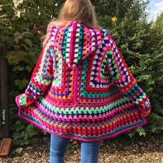 The Campfire Cardigan Free Crochet Pattern This cardi is a perfect beginner project because of its simple construction. Two granny hexagons are all it takes to create it so play with the colors and crochet away. Campfire Cardigan Crochet Pattern, Crochet Hoodie, Crochet Coat, Crochet Jacket, Crochet Clothes, Crochet Sweaters, Granny Square Sweater, Granny Pattern, Hoodie Pattern