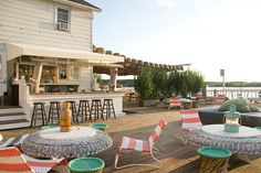 looks like THE spot to enjoy a beer & chill. (think this is in Montauk?)