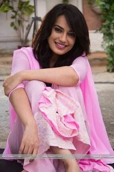 Best Trendy Outfits Part 11 Beautiful Bollywood Actress, Beautiful Indian Actress, Beautiful Actresses, Indian Tv Actress, Indian Actresses, Tashan E Ishq, Tv Show Couples, Tv Girls, Elegant Wedding Hair