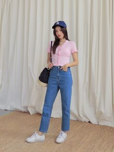 Korean Fashion Summer, Korean Street Fashion, Summer Fashion Trends, Asian Fashion, Korean Summer, Mom Jeans Outfit, Jeans Outfit Summer, Jeans Price, Spring Wear