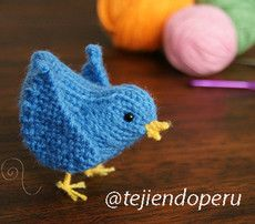 Siguenos también por Twitter: @Tejiendo Perú Amigurumi Patterns, Knitting Patterns, Crochet Toys, Crochet Baby, Knitted Animals, Knitting Wool, Knitting For Beginners, Learn To Crochet, Doll Accessories