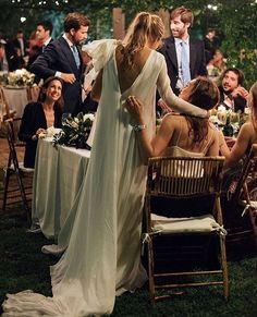 @atodoconfetti • Instagram photos and videos Elegant Wedding Gowns, White Wedding Dresses, Wedding Photography Inspiration, Wedding Inspiration, Style Inspiration, 11th Wedding Anniversary, A Todo Confetti, Cowgirl Wedding, Dream Wedding