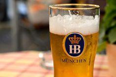 Münchner Hofbräu Bier Bavaria, Munich, Pint Glass, Germany, Beautiful Life, Helpful Tips, Beer, Nice Asses, Beer Glassware