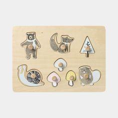 Puzzle animaux de la forêt en bois peint  8 pièces à assembler sur le socle, avec un bouton fixé sur chaque pièce pour une prise en main facile Développe le sens de l'observation et la motricité fine