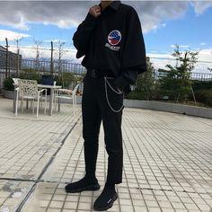 Korean Street Fashion - Life Is Fun Silo Urban Fashion, Mens Fashion, Fashion Outfits, Sinclair, Outfits Hombre, Mens Style Guide, Korean Street Fashion, Trends, Types Of Fashion Styles