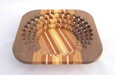 Drevená miska vyrobená na lupienkovej pílke tzv. Scroll Saw