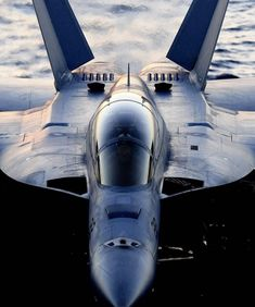 Close up jet, for the closing pg Military Jets, Military Aircraft, Air Fighter, Fighter Jets, Tomcat F14, Photo Avion, Flight Deck, Jet Plane, Fighter Aircraft