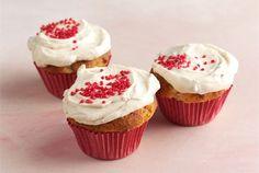 Muhkeat muffinit ✦ Maustettu rahka mehevöittää muhkeiden muffinien taikinan ja maustaa kuorrutteen. Tarjoa muhkeat muffinit kahvipöydässä. http://www.valio.fi/reseptit/muhkeat-muffinit-1/