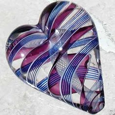 Glass paperweights... ♥♥♥♥ ❤ ❥❤ ❥❤ ❥♥♥♥♥