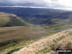 Walk Picture/View: The Crowden valley from The Pennine Way on Black Chew Head (Laddow Rocks) in The Peak District, Derbyshire, England by Simon Jacks (31)