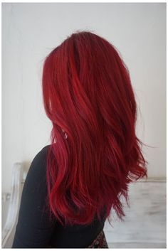 vibrant red hair color