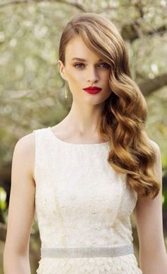 16 trendy wedding hairstyles for long hair to the side curls waves Side Swept Hairstyles, Fancy Hairstyles, Glamorous Hairstyles, Long Wavy Hairstyles, Evening Hairstyles, Long Haircuts, Modern Haircuts, Wedding Hair Down, Wedding Hair And Makeup