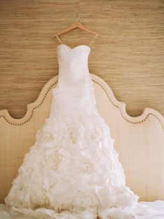 Gorgeous Vera Wang wedding gown. Love the ruffled skirt, pleated bodice, sweetheart neckline and mermaid silhouette.