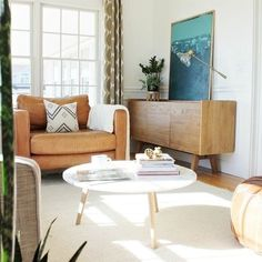 Mid-Century Sideboard-Buy Furniture Online Like A Pro With These 10 Simple Steps Modern Living Room Paint, Living Room Colors, Living Rooms, Family Rooms, Buy Furniture Online, Cheap Furniture, Furniture Stores, Furniture Buyers, Furniture Removal